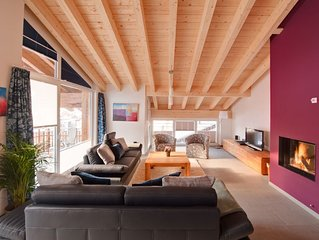 Open-plan 3 Bedroom Loft Apartment With Stunning Views Of The The Matterhorn.