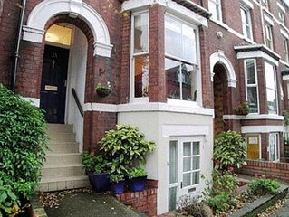 'Minster Bells' - 5 Bed City Centre Townhouse