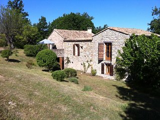 Stone farmhouse with pool close to Vaison-La-Romaine and Mt Ventoux