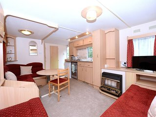 One bed static with parking. Walk to Lynton Town Centre. Free fishing onsite