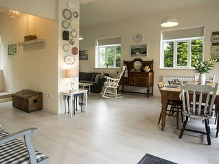 Child and pet friendly, 20 acres of Dartmoor with swimming pool near Tavistock