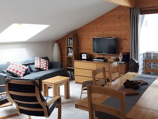 2 Bed apartment la Chapelle d'Abondance, sleeps 4-6, opp telecabine, balcony