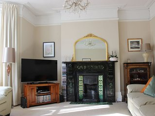 Spacious Victorian house, 4 bedrooms to sleep 8, close to beach and town centre.