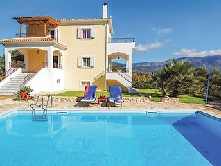 Villa close to the beach with entertainment, all modern appliances and spectacul