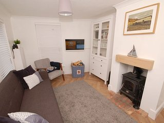 Bramble Cottage -  a cottage that sleeps 4 guests  in 2 bedrooms