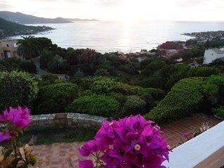 Maison  avec   terrasse et  jardin ombragé     très belle vue
