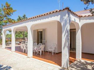 Villa con giardino per le vacanze a Torre Lapillo, 3 camere, 2 bagni