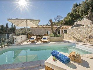 Maltezos - 2 bedroom cottage near Loggos with pool & wonderful sea views