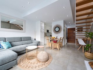 Loft 59 on the CANTERAS BEACH with FREE PARKING!