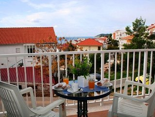1 Bedroom Apt 200m to Beach and 600m to Hvar Town Centre