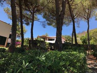 Villetta Elegante con vista mare e accesso privato alla spiaggia