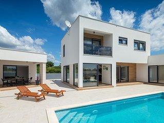 Wonderful villa with private pool near Pula