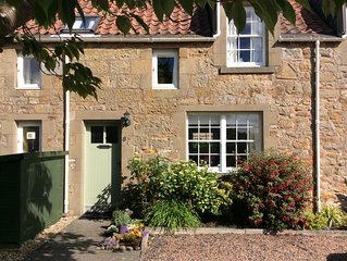 2 bed cosy Cottage in stunning Kingsbarns near golf and St Andrews
