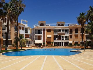 Great location 2 bed apartment, pools, wifi