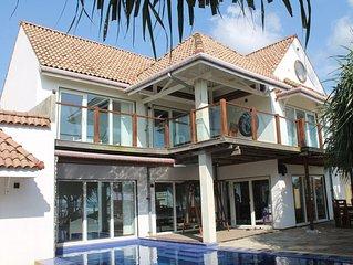 Pebbles Beach Villa Luxury - Beach Front