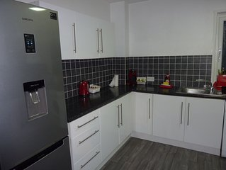 Lovely Modern 1 bedroom apartment - Sleeps up to 4 guests