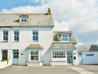 Attractive spacious 5-bedroomed house in the heart of Rock