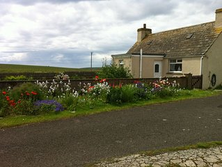 THE CROFT-3 Bed Holiday Cottage, stunning location, short walk to beach, Pets OK