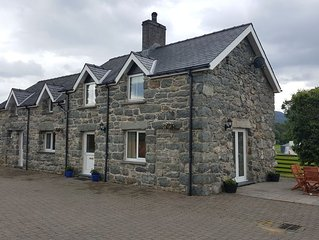 Stone built Cottage within a few yards of Bala Lake