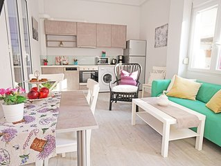 New Modern Apartment, 3' to the Beach,Next to Amenities,Close to Chania Old Town
