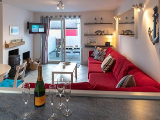 Norman Court -  a pet friendly that sleeps 6 guests  in 3 bedrooms