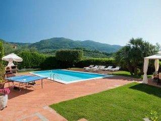 Casa con giardino e piscina privata