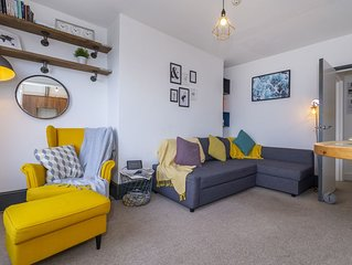 **Seaview Apartment** - Stunning Margate Apartment with direct Sea Views