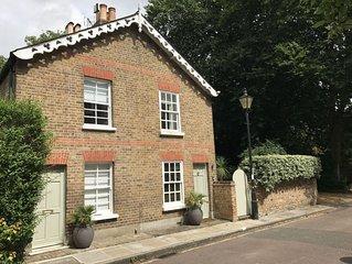 Montpelier Row Cottages, Terrace Cottage