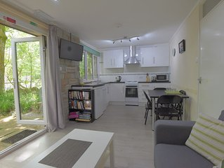 Contemporary 2b Granite Stone Bungalow, St Ives, Within 100 Acre Woodland