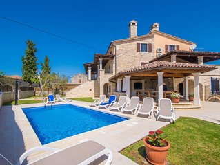 Spacious and private old restored villa w/pool