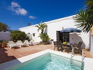 Casa rural La Tienda con piscina privada