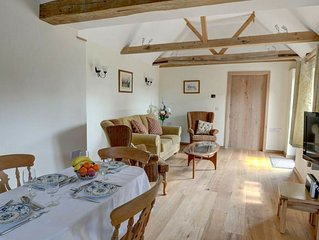 Attractive holiday home with rustic interior on a farm in East Sussex