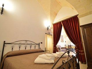 La Sala delle Armi, Appartamento per le Vacanze, Oria, Puglia, Italia