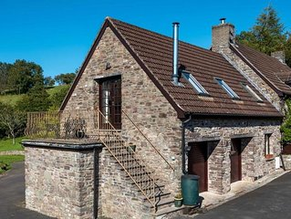 Cae Crwn Hayloft - Two Bedroom House, Sleeps 3