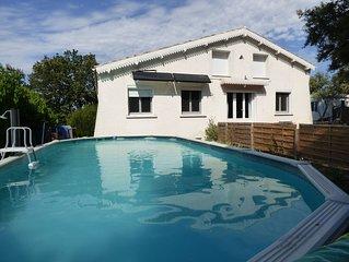 Maison et PISCINE au coeur de la Provence (près de Châteauneuf-du-pape)