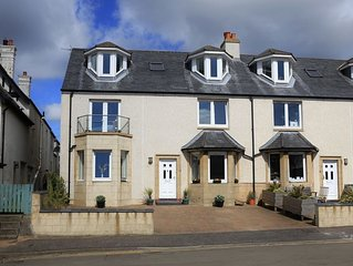 A fantastic 5 bedroomed house close to the harbour and beach