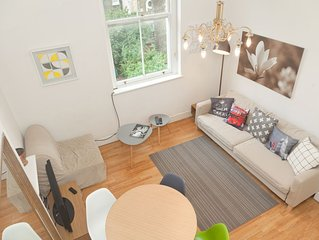 Entire apartment near Westfield, Olympia and local underground stations