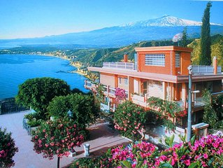 Residence Schuler - Apartment 'C' with sea and Mount Etna view