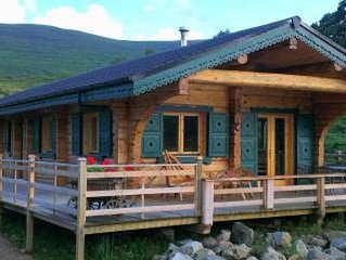Chalet Rus. Luxury log cabin with all your creature comforts.