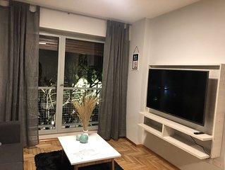 Amplio departamento 2 dormitorios - Av. Irigoyen