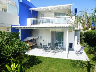Pomelia Holiday Home 100 metres from the sandy beach and near the centre