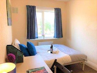 Lovely 3 bedroom apartment near War Memorial Park