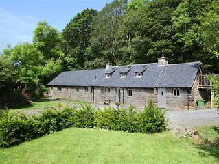 This deceptively spacious Longhouse has been lovingly restored to ensure the his