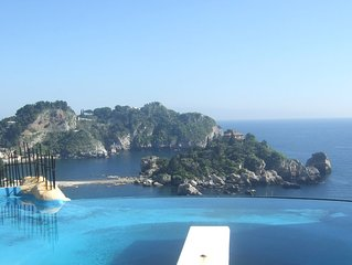 Stunning Taormina location: Villa in Isola Bella bay with direct access to beach