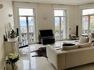 Luxury Boutique Apartment - stunning view - old port - great aircondition