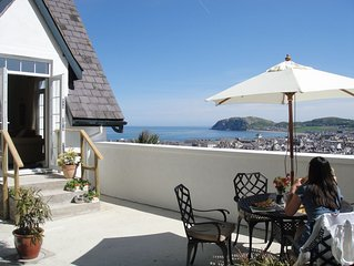 Stunning views, 2 bedroom house with roof terrace