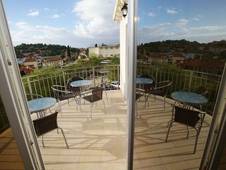 Attractive Apartment in Dubrovnik with Balcony and Parking