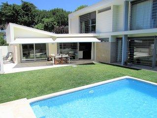 VILLA CASALINHO MECO  no pinhal, perto da praia e de Lisboa com piscina privada