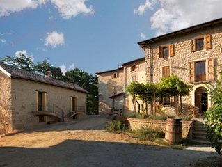 Giuseppina - converted stone barn with spectacular mountain scenery & pool
