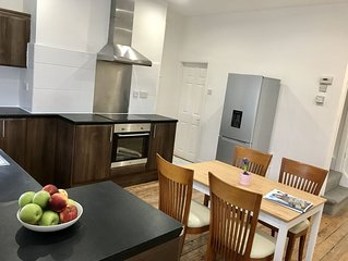 2 Bed house Close to city & University